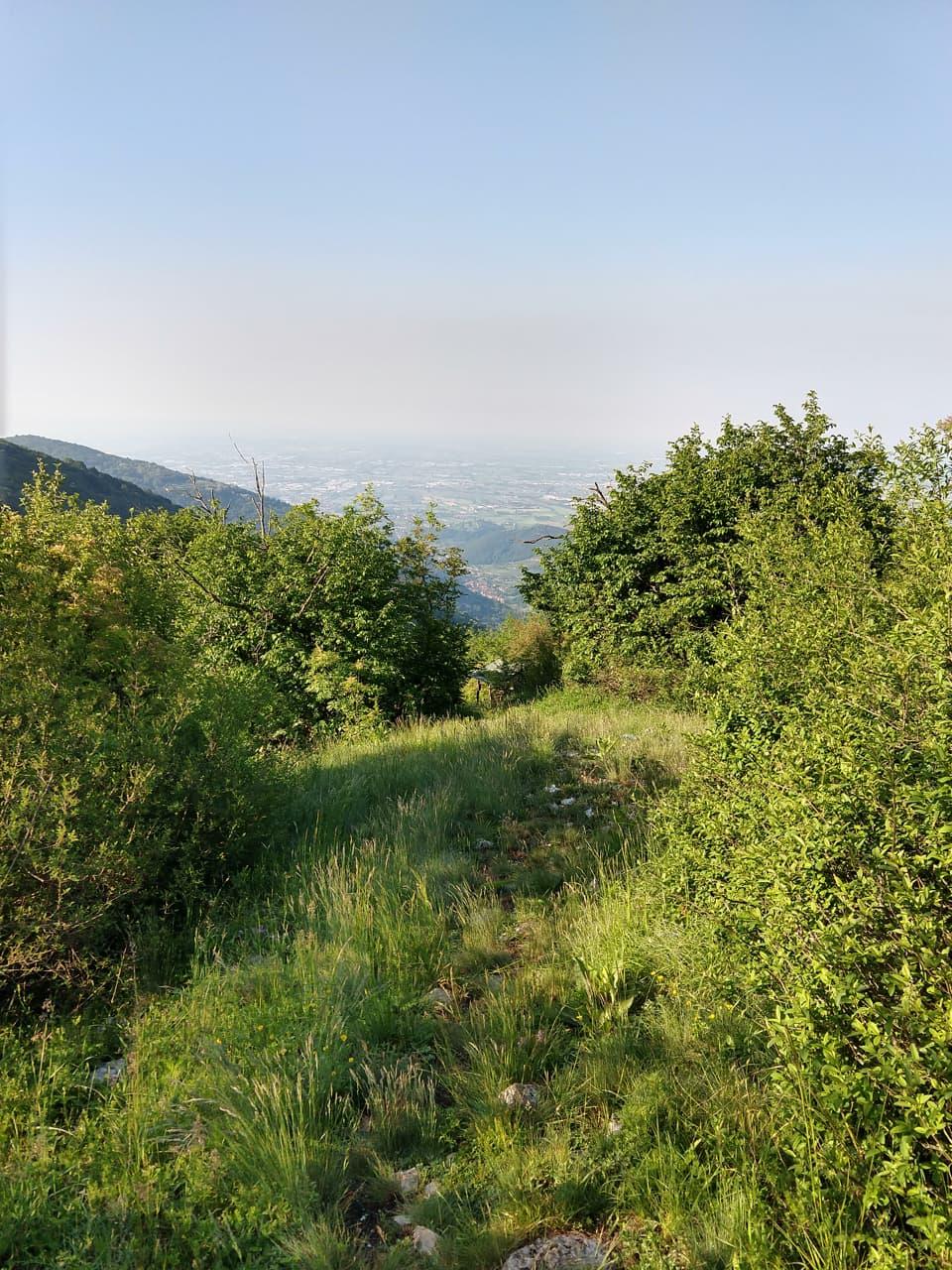Il sentiero è sempre appagante dal punto di vista paesaggistico e naturalistico