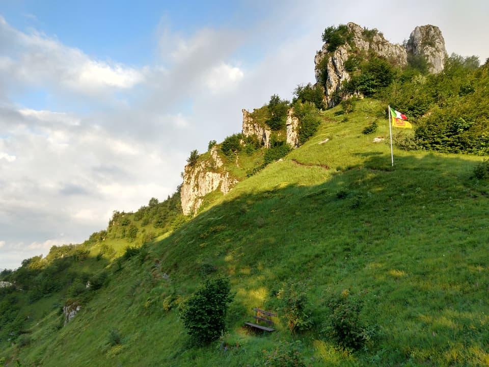 Giunto al Passo della Cisa noto subito il Tricolore sulla via per il Monte Inferni