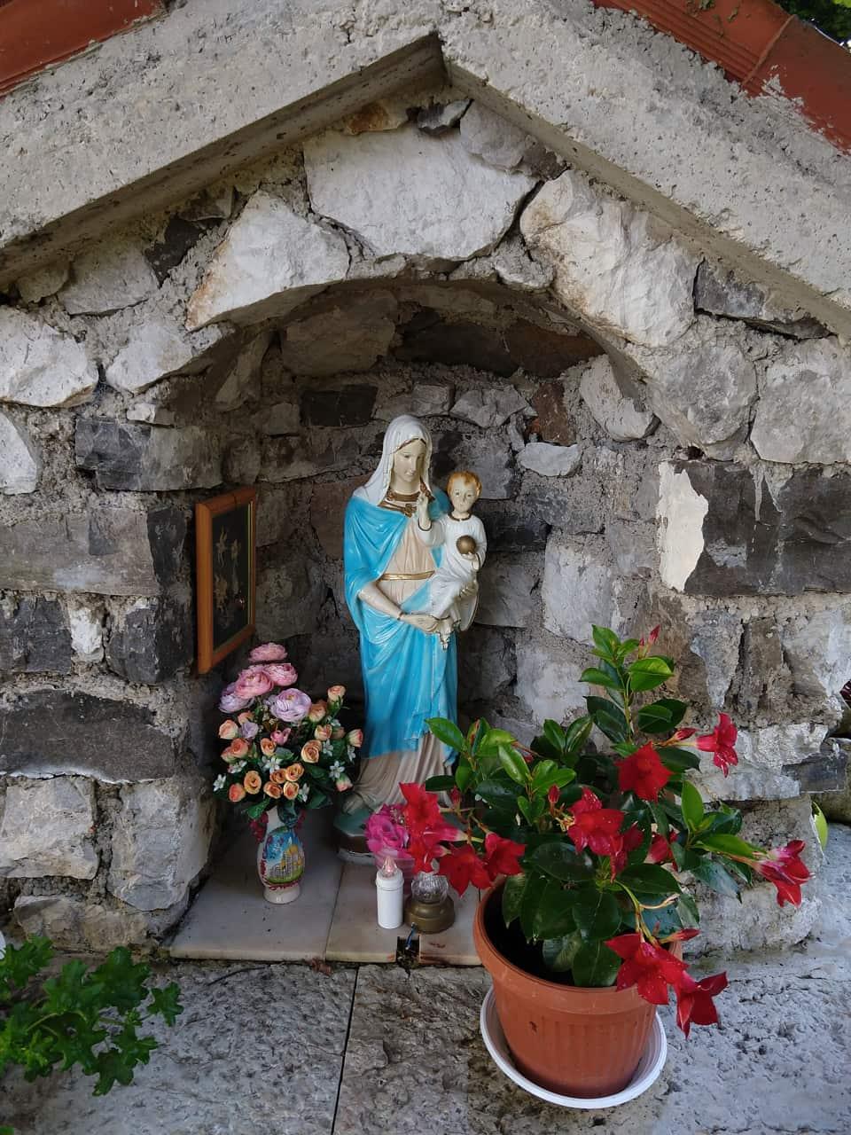 Ecco la Madonna della Cisa che ogni anno viene visitata dai fedeli di Lodrino