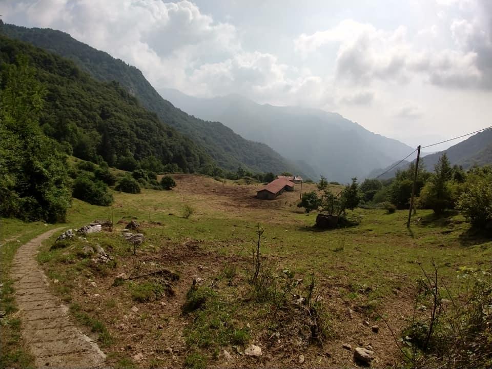 Ed eccomi alla Malga Casere situata sul sentiero che congiunge la Forcella di Sale ad Inzino