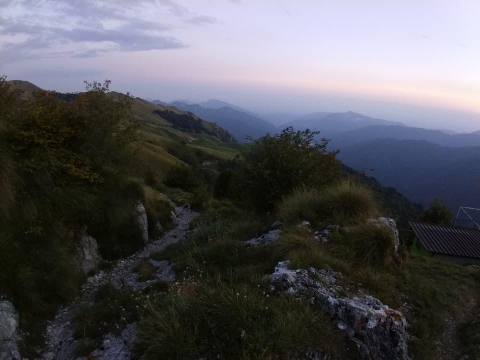 Il ritorno serale a Caregno mi consente di osservare la Valle da una nuova prospettiva