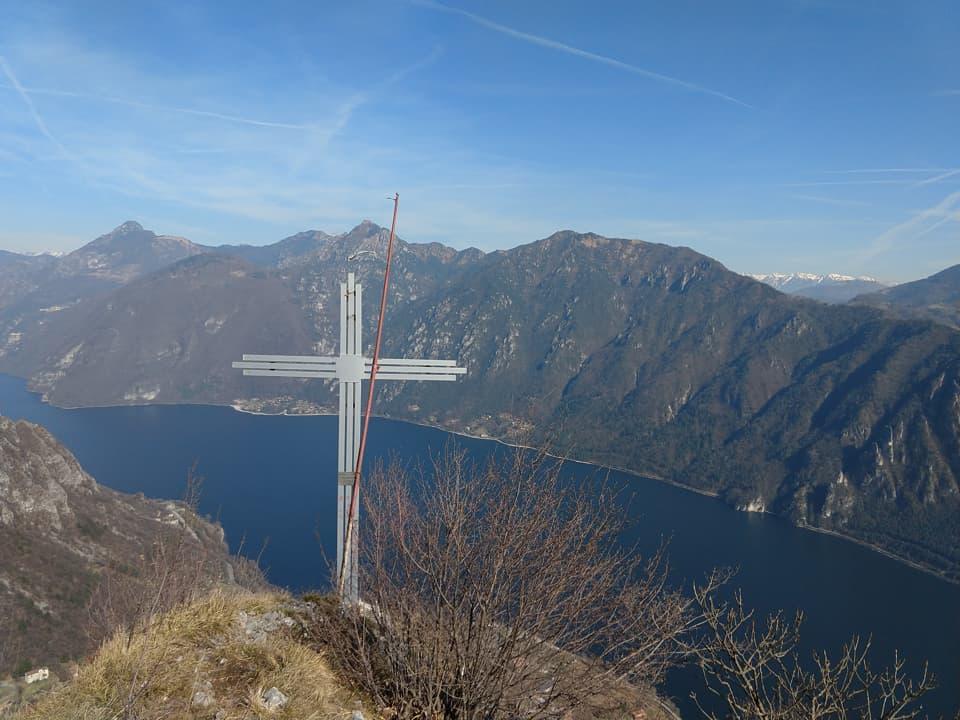 La Croce dei minatori rappresenta una meta secondaria ma decisamente suggerita dell'escursione