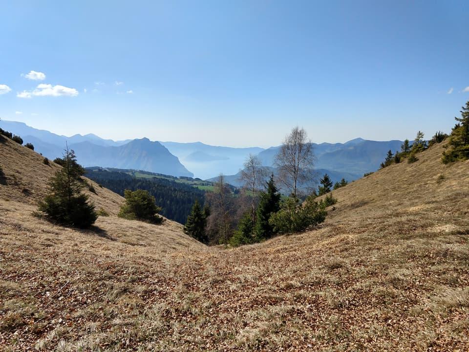 Un altro scorcio che mi consente di ammirare Montisola, il Monte Torrione è a pochi passi da qui