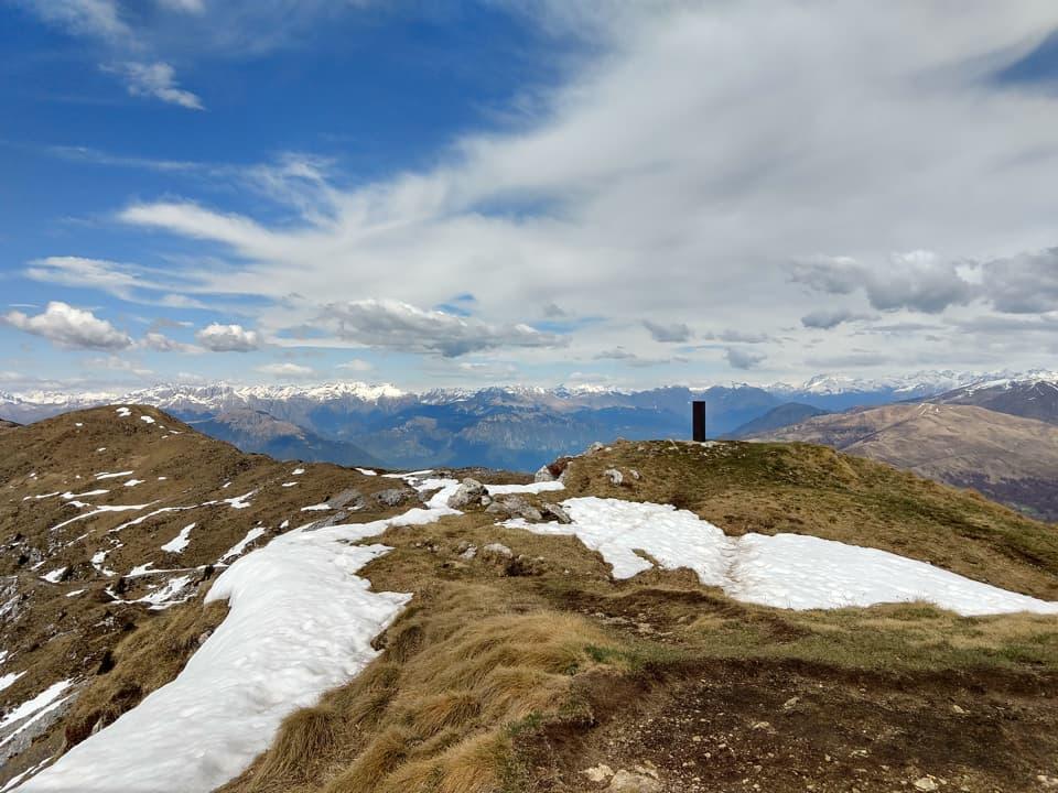Uno sguardo verso le montagne dell'alta Valtrompia