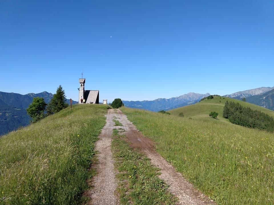 Ecco la bellissima Santella degli Alpini del Monte Blum
