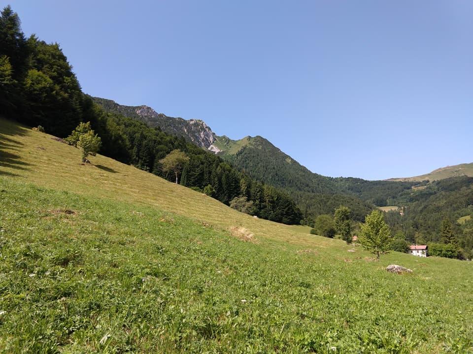 Raggiunta la località Pissisidolo posso rilassarmi e godermi una bella giornata di sole