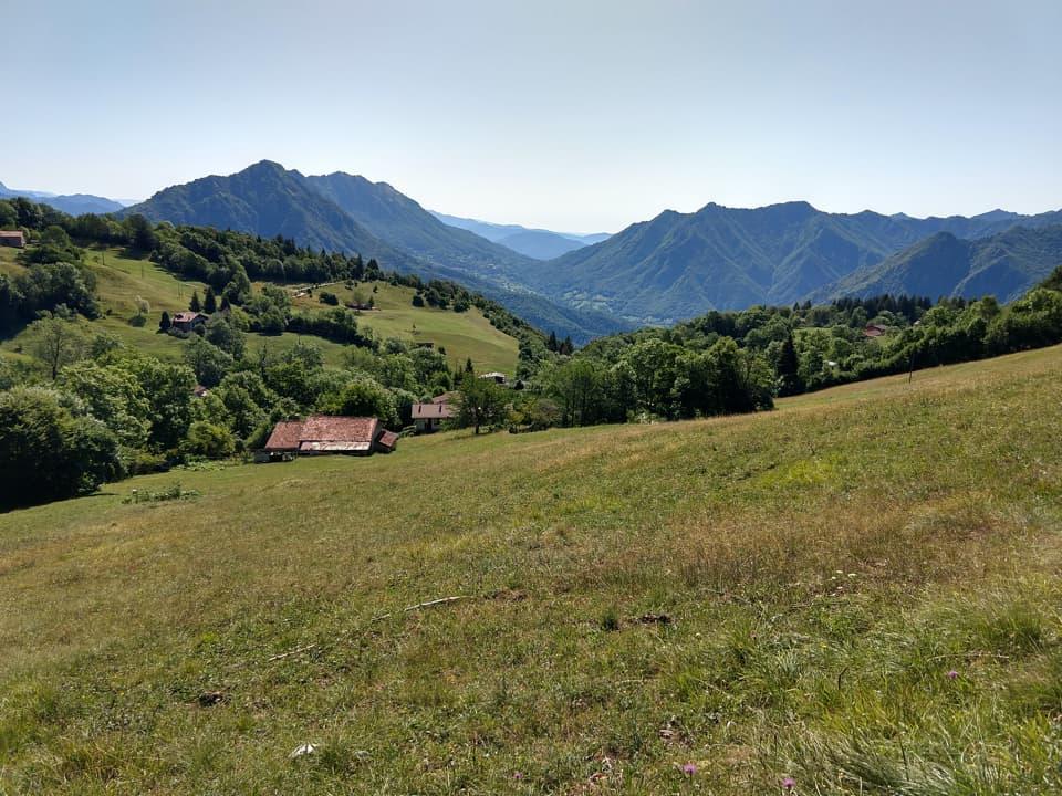 La discesa lungo la Valle della Nistola (318bis) è una valida alternativa per raggiungere Caregno