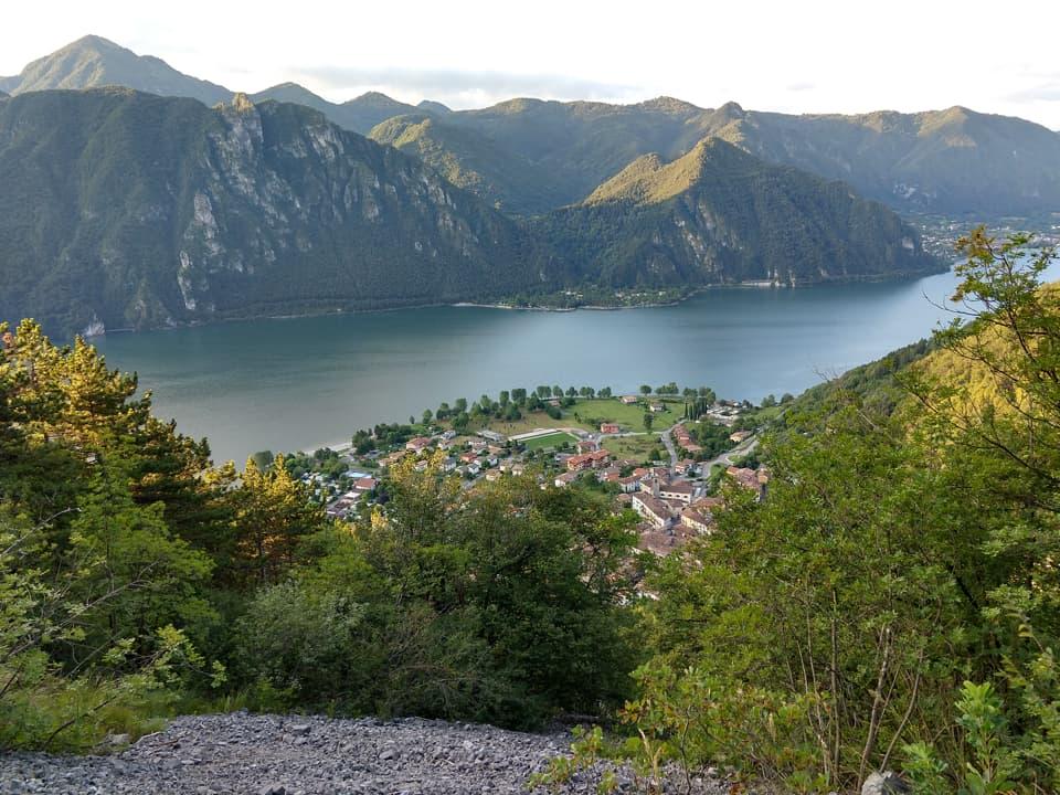 Già dopo una decina di minuti di cammino è possibile godere di un bel panorama