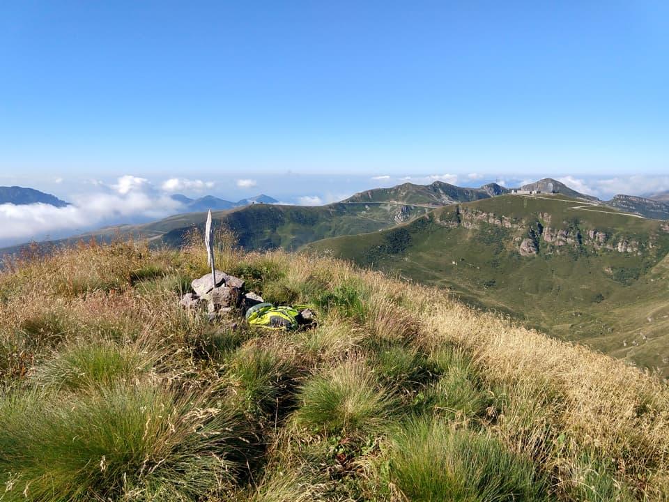 Finalmente raggiungo la Punta Setteventi che con i suoi 2251m domina le tre valli bresciane