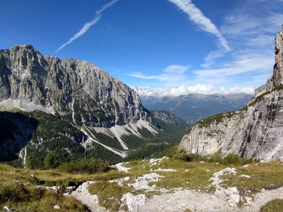 La salita attraverso la Val Brenta è un susseguirsi di splendidi panorami da immortalare e conservare
