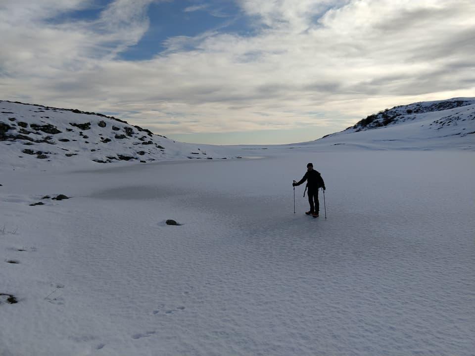 Un laghetto ghiacciato! Non possiamo di certo farci mancare anche questa esperienza.