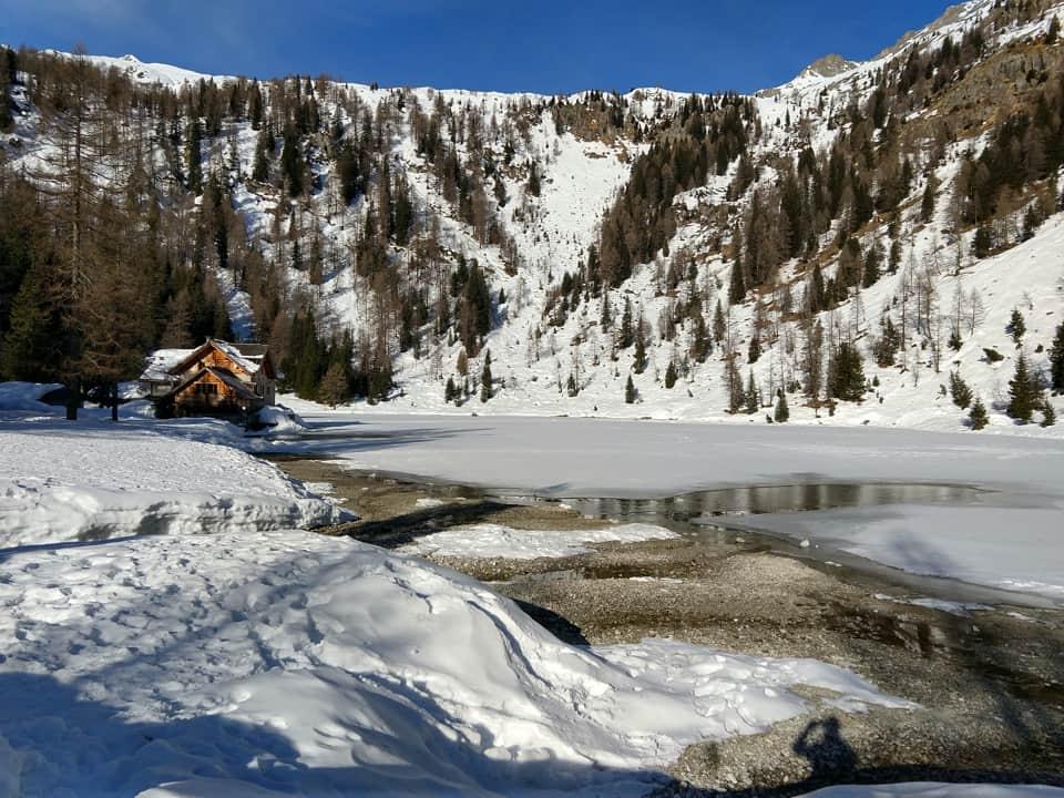 Il Lago Nambino e l'omonimo Rifugio costituiscono la prima tappa del nostro cammino odierno