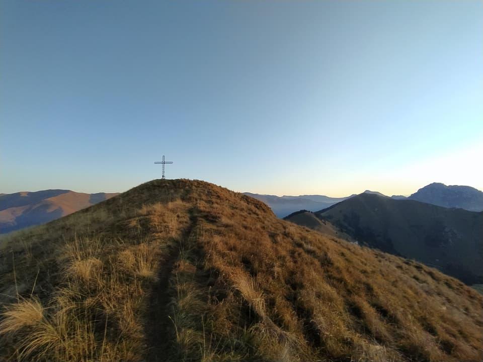 La vetta del Monte Ario è a pochi passi, mi attende la mia prima meritata sosta.