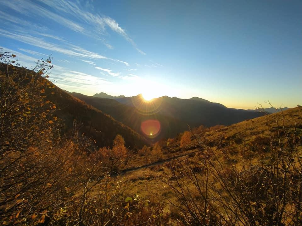 Ed ecco il momento magico dell'alba, un dono che riceviamo ogni giorno e che in montagna possiamo davvero apprezzare.